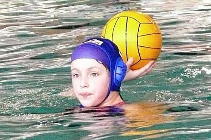 Alexandra bei der Wasserball Bezirksmeisterschaft 2011 in Dresden