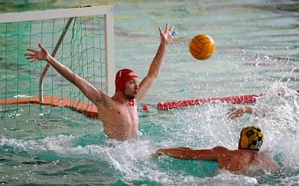 Szene aus dem Wasserball-Spiel Dresden gegen Spandau