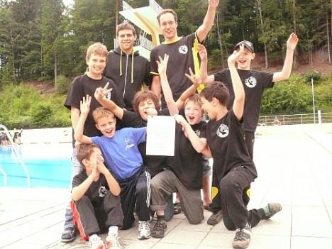 Die Dresdner E Jugend feiert zum Abschluss der BZM 2011 in Auerbach